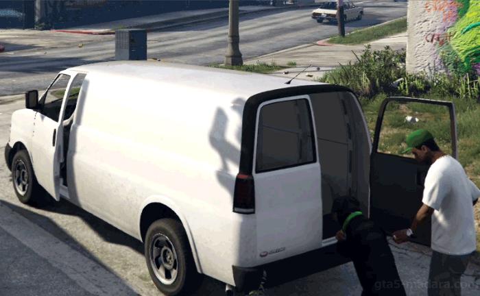 GTA5ストーリーミッション『チョップ』白いバン