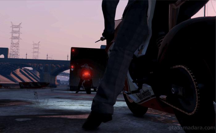 GTA5ストーリーミッション『強盗:宝石店(派手)』バイクをトラックに載せる