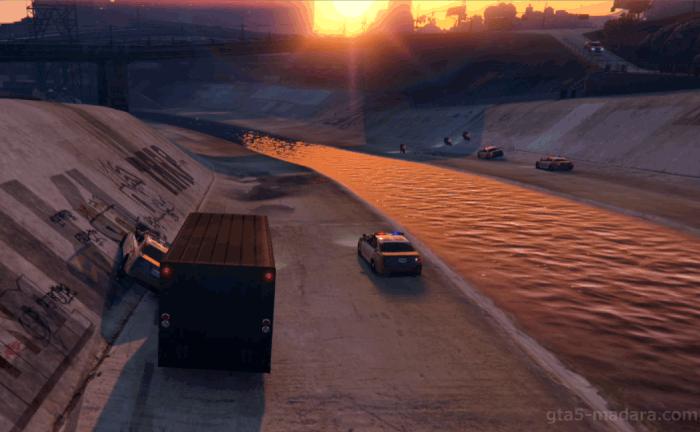GTA5ストーリーミッション『強盗:宝石店(派手)』仲間を援護する